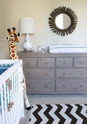 jacksons-nursery-dresser-lamp-mirror